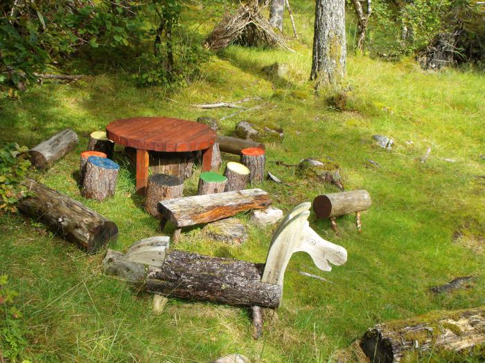 The picnic area, with table and seat