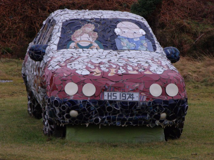 You'd know it if this car came at you on the motorway!
